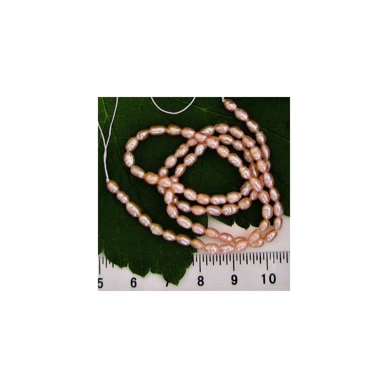 Sladkovodní perličky 3-4mm, návlek 37cm, růžová